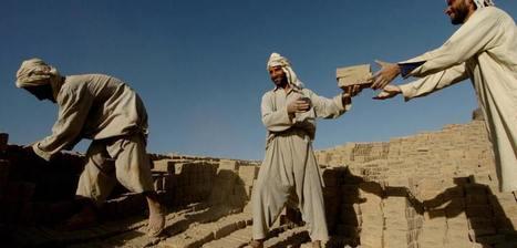 Afghanistan Watchdog Pushes Pentagon on Lavish Spending | Upsetment | Scoop.it