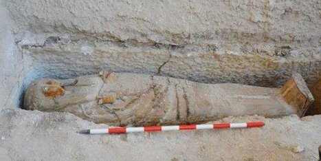 2,700 yr-old sarcophagus of 'high priest of God Amun' unearthed in Luxor | Egiptología | Scoop.it