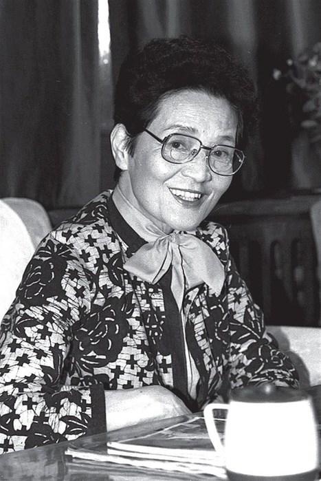 Legend of Chinese opera Zhou Xiaoyan dies at 99   OperaMania   Scoop.it