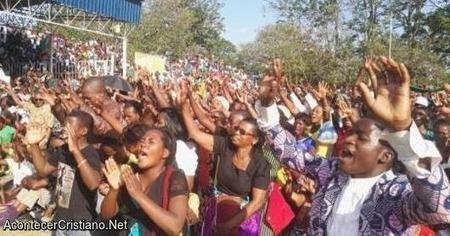 Presidente africano convoca a su país ayunar y orar para salir de crisis económica | LA REVISTA CRISTIANA  DE GIANCARLO RUFFA | Scoop.it