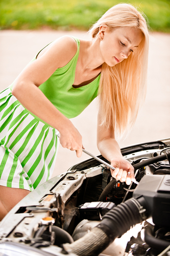CAR GOSSIP-Two thirds of female drivers at risk due to poor car maintenance - Easier (press release) | Best jumper cables | Scoop.it