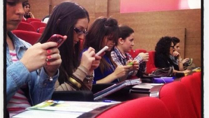 ¿Cómo preparar un examen en clase usando Twitter? - Esteban Romero