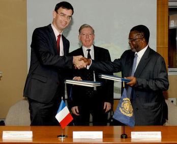 Signature officielle d'un contrat d'exploration de sulfures polymétalliques - Ifremer | deepsea mining | Scoop.it