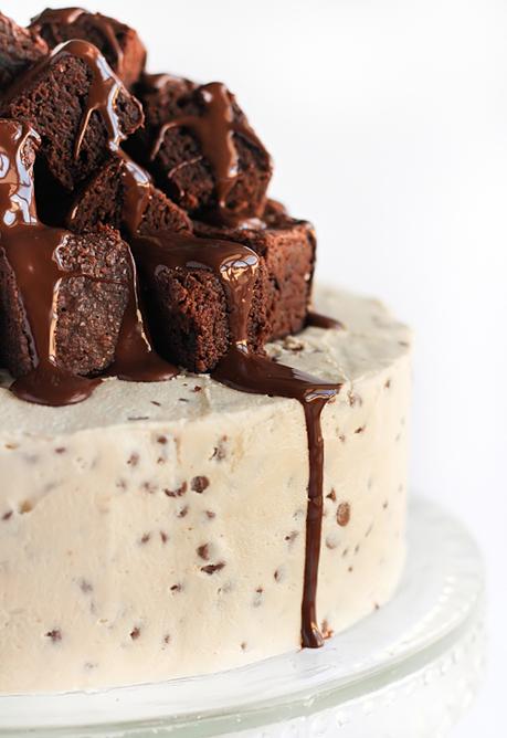 raspberri cupcakes: Fudge Brownie & Cookie Dough Cake | lovemefood | Scoop.it