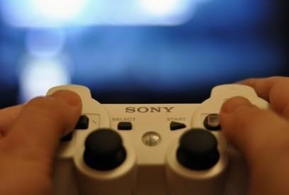 Rape and death threats are terrorizing female gamers. Why haven't men in tech spoken out?   A Feminist Eye   Scoop.it