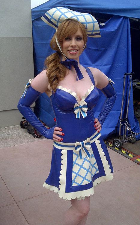 Alex Sim-Wise in Latex Milk Maid Cosplay | LFN - latex fetish news | Scoop.it