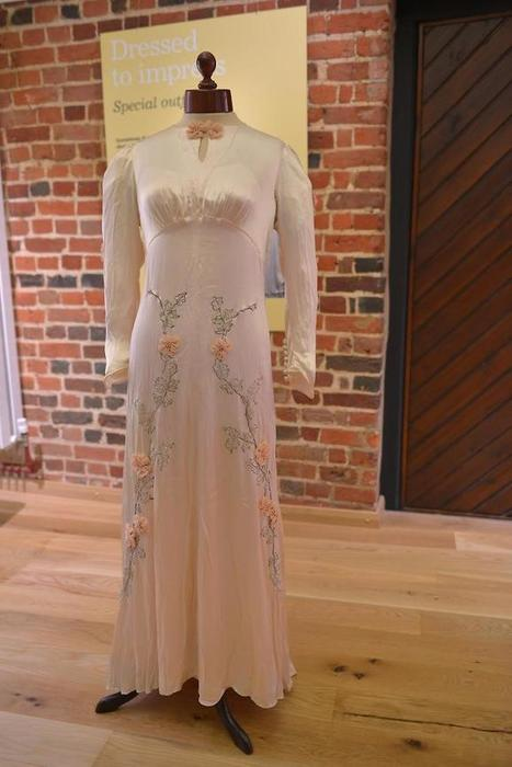 Mystery surrounds museum wedding gown - Newbury Weekly News Group | Fashion and culture | Scoop.it