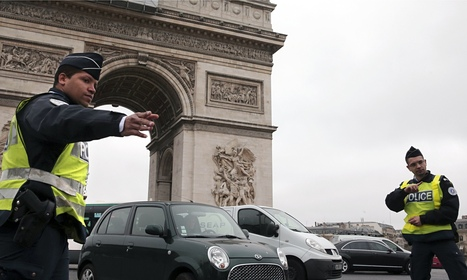 "Paris car ban stopped after one day (""see what a people's initiative can do in just a day"") 