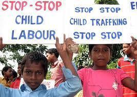 EUROPA/ITALIA - Continua aumentando la esclavitud infantil en el mundo: 800 mil niños explotados en el trabajo clandestino - Agencia Fides | Los Derechos del Niño y la actualidad | Scoop.it