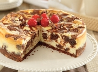 Brownie Sundae Cheesecake | The Man With The Golden Tongs Hands Are In The Oven | Scoop.it