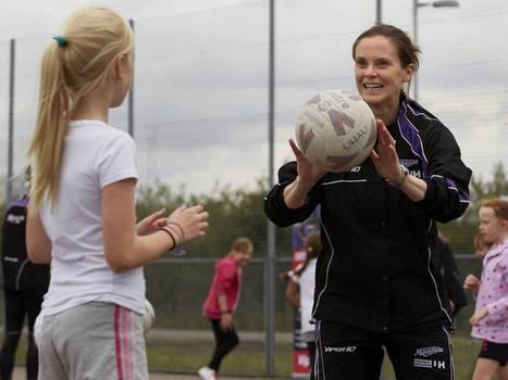 Professionals help girls kick against sport stereotypes | Girls in Sport | Scoop.it