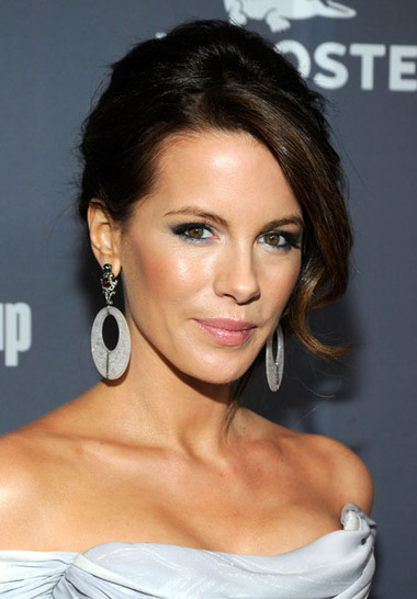 Kate Beckinsale Shows Off the Hair Trend of the Week: Girls in the ...   Ultratress   Scoop.it