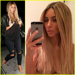 Kim Kardashian Flashes Nipple in Instagram Pic with Blonde Wig | Phone Apps Game Reviews Tech | Scoop.it