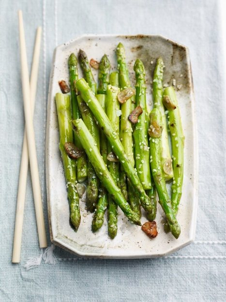 Sesame and Garlic Roasted British Asparagus Vegetarian Recipe | Food for Foodies | Scoop.it