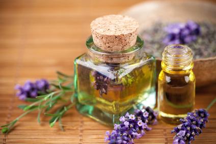 Petites recettes de beauté aux huiles essentielles | Huiles essentielles HE | Scoop.it