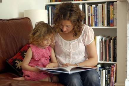 Reading to children 'more effective than technology at boosting science skills' - Independent.ie | Formar lectores en un mundo visual | Scoop.it
