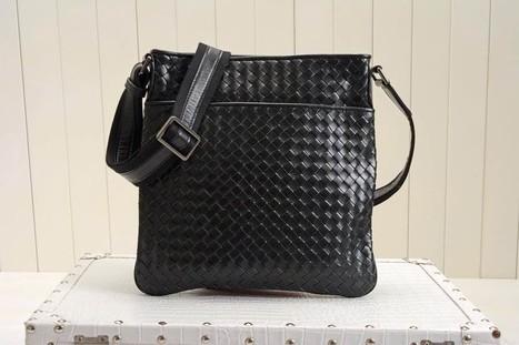 39268 Bottega Veneta Woven Leather Legendary Era Of Imported Using The Original Hardware Workmanship | Designer Bags | Scoop.it
