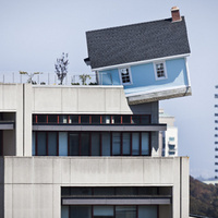 There Is a House Sprouting From Atop This 7-Story Building | Visual Culture and Communication | Scoop.it
