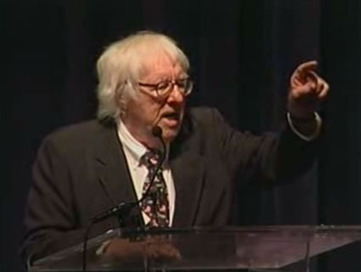 Ray Bradbury Gives 12 Pieces of Writing Advice to Young Authors (2001) | Story School | Scoop.it