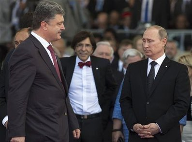 Putin And Poroshenko Had An Awkward Meeting At The D-Day Commemoration | News You Can Use - NO PINKSLIME | Scoop.it