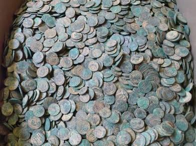 Les Découvertes Archéologiques: Un détectoriste amateur découvre 22000 pièces romaines en Angleterre | Merveilles - Marvels | Scoop.it