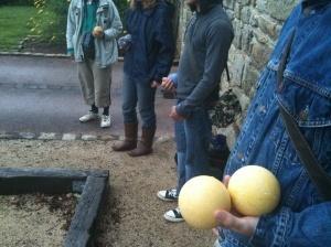 Visite guidée insolite, jouez à la boule bretonne à Guerlesquin | Baie de Morlaix Monts d'Arrée | Baie de Morlaix - Monts d'Arrée | Scoop.it