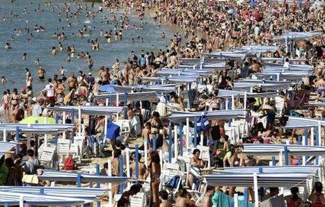 España recibe más turistas que nunca en la primera mitad del año | Economía&ADE | Scoop.it