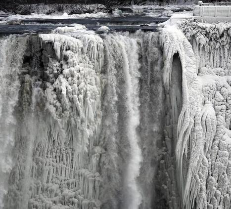 Las cataratas del Niágara, congeladas | Los sistemas fluidos externos y su dinámica. | Scoop.it