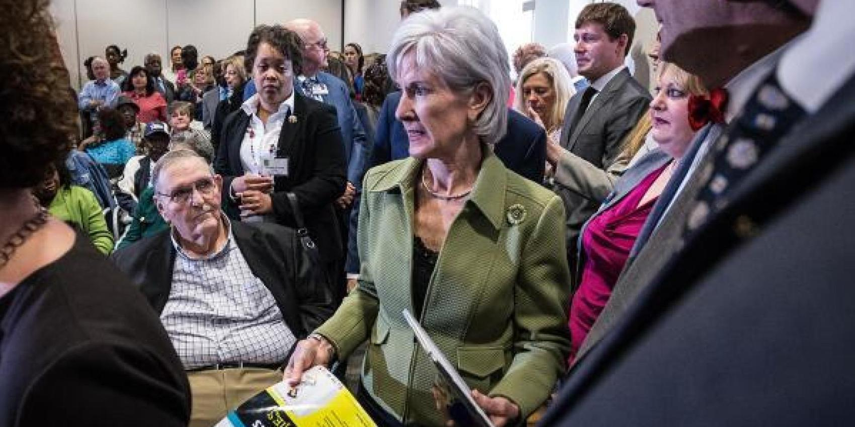 This Was How Kathleen Sebelius Reacted When A GOP Lawmaker Gave Her 'Web Sites For Dummies'
