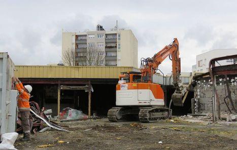 Fosses : les pelleteuses ont attaqué le centre commercial du Plateau | Aménagement et urbanisme en Val-d'Oise | Scoop.it