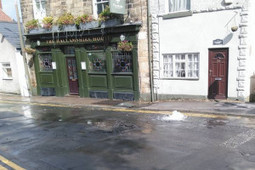 Sheffield pubs forced to close after water main bursts | Walkley News | Scoop.it