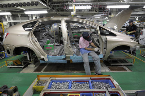 Toyota retires robots in favor of humans to improve automaking process - Autoblog (blog) | Media Tech | Scoop.it