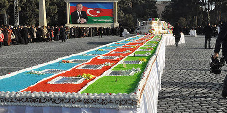 Azerbaijan bakes Europe's longest cake - www.worldbulletin.net | cake decorating | Scoop.it