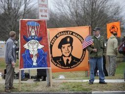 Update 3/19/13: Correcting dangerous errors in the press about Bradley Manning | Global politics | Scoop.it