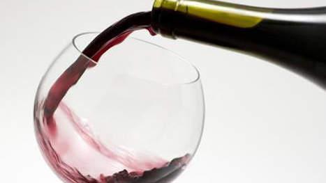 Vingt tonnes de vin répandus sur l'autoroute, le camionneur ivre | actualité-buduquebec | Scoop.it