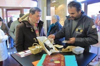 Au marché au gras, on prépare les fêtes | Agriculture en Dordogne | Scoop.it