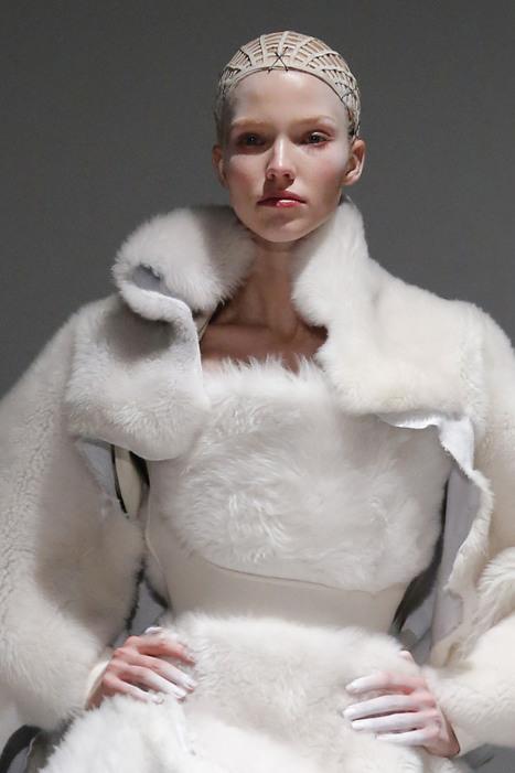 Gareth Pugh Paris Fashion Week Runway Makeup | High Fashion Makeup | Scoop.it