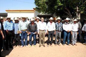 Histórico encuentro de Padres Elías con los 8 Gobernadores Yaquis | Sonora | Scoop.it