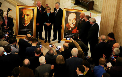 Portraits of literary greats Seamus Heaney and CS Lewis unveiled at Stormont | The Irish Literary Times | Scoop.it