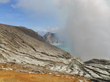 Ijen Crater, Exotic Java Crater ~ Yogyakarta Driver Atok | yogyakarta driver | Scoop.it