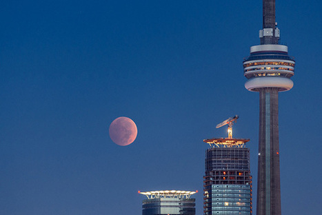 Blood moon over Toronto - blogTO (blog) | Rachat de crédits | Scoop.it