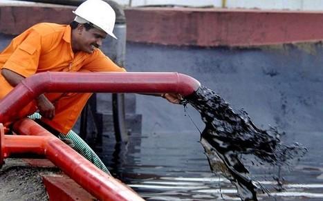 Coming 'oil glut' may push global economy into deflation - Telegraph | Macroeconomics | Scoop.it