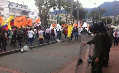 Cablenoticias   Miles de campesinos, indígenas y afros se toman las calles de Bogotá   Colombia   Scoop.it