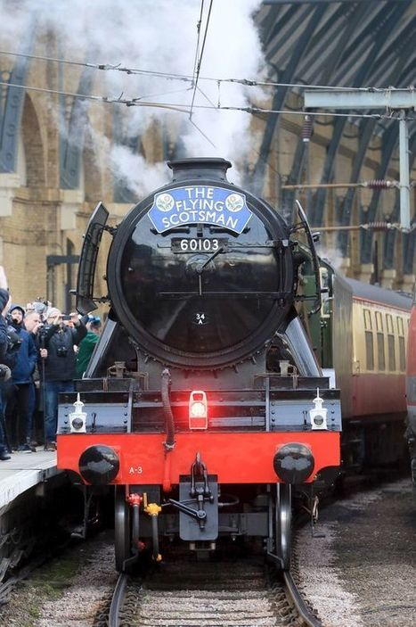 Return of Flying Scotsman sparks rail chaos after enthusiasts clamber onto track | Railway anthology | Scoop.it