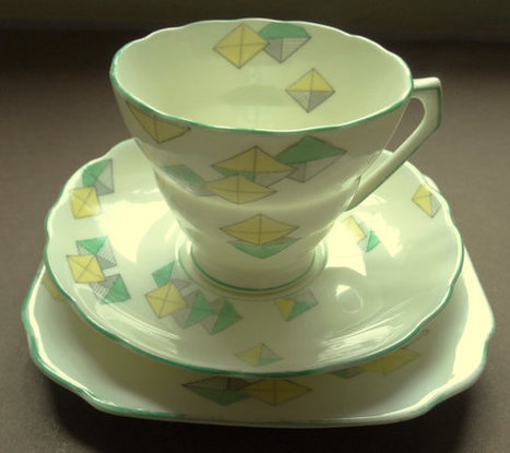 Art Deco breakfast or tea trio : one cup, one saucer, one side plate. 1930s. In good condition. | Retrofanattic's articles and items for sale | Scoop.it