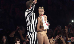 Miley Cyrus's family say she 'sounded amazing' and ask for 'more love, less hate' after controversial VMA performance | Miley Cirus | Scoop.it