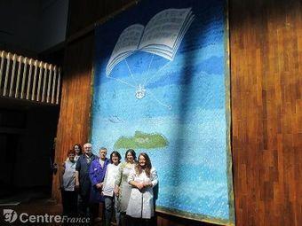 Le chanteur Bono mécène d'une tapisserie tissée à Felletin | Textile Horizons | Scoop.it