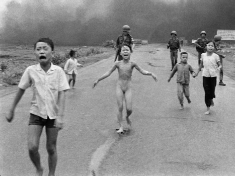 'Napalm Girl': An Iconic Image Of War Turns 40 | The Things They Carried by Tim O'Brien | Scoop.it
