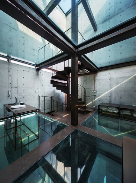 Vertical Glass House / Atelier FCJZ - ArchDaily | glass awards | Scoop.it