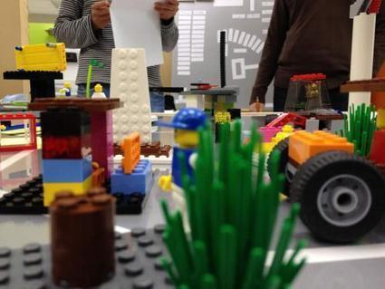 El Faradio | Gestionar la identidad laboral jugando con LEGO | LEGO SERIOUS PLAY & tuXc Coaching | Scoop.it